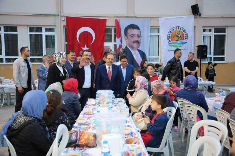 Atakum'da mahalle iftarlarına yoğun ilgi