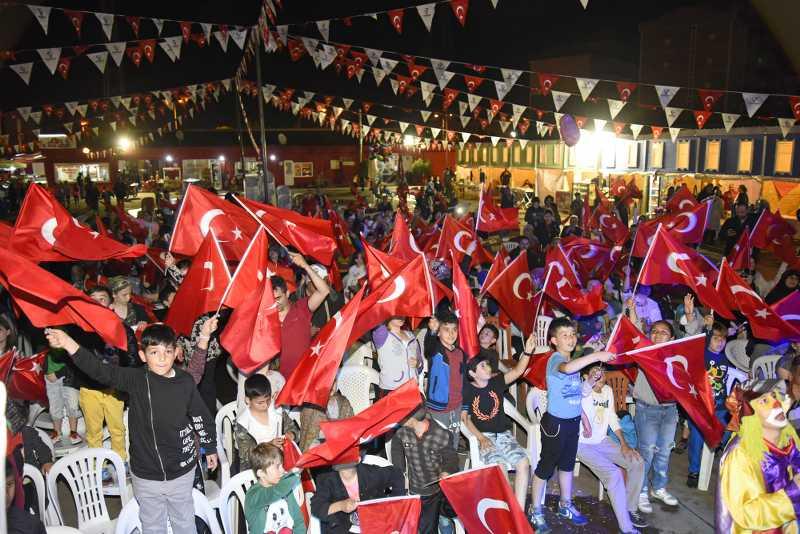 Tekkeköy Ramazan Sokağında 19 Mayıs Coşkusu