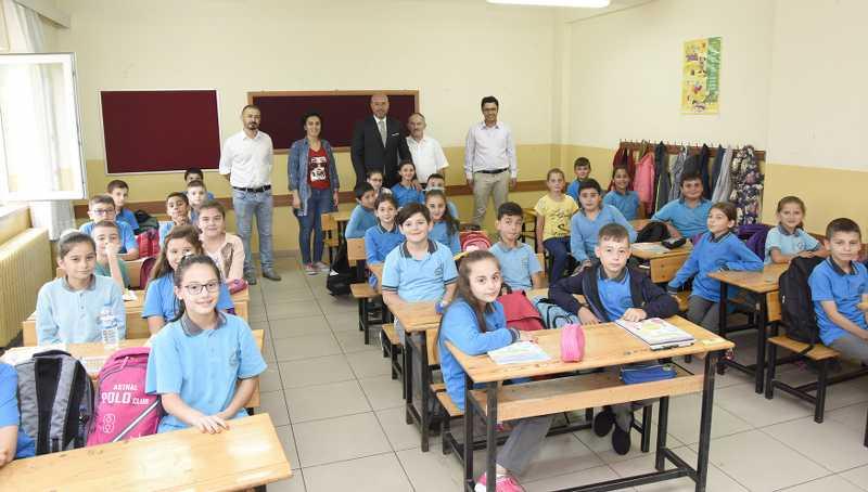 Togar, Okulları Ziyaret Ederek Başarı Dileklerini İletti