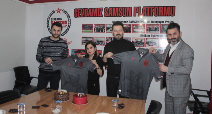 Doğum günü hediyesi Samsunspor forması