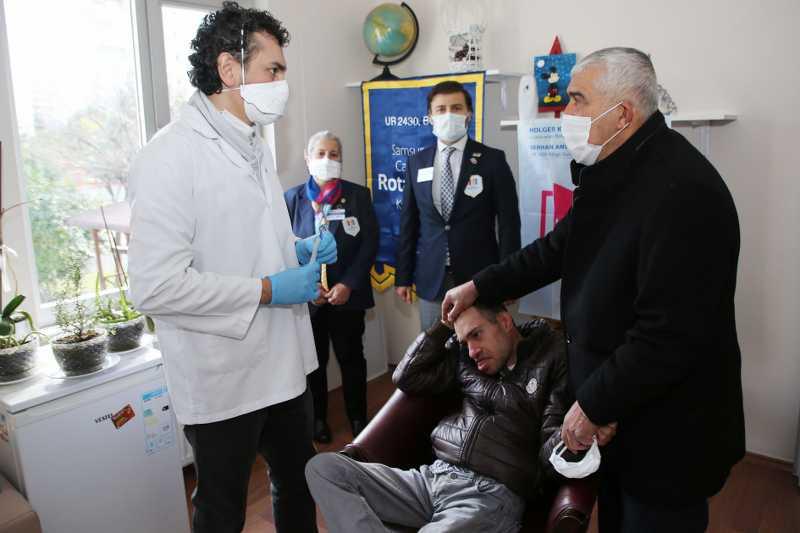 Atakum Belediyesi ve Canik Rotary'den engelli yurttaşlara diş taraması