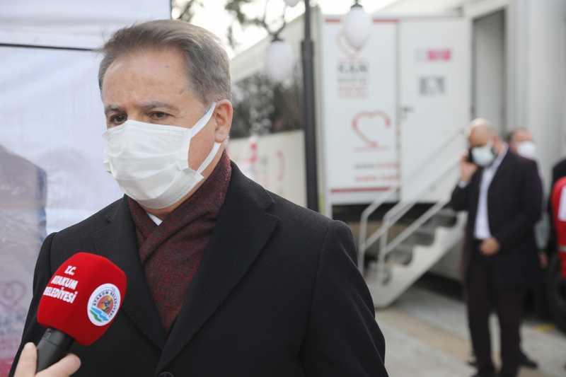 """Başkan Deveci'den gençlere kan bağışı çağrısı: """"Kan vermek hayat kurtarıyor"""""""