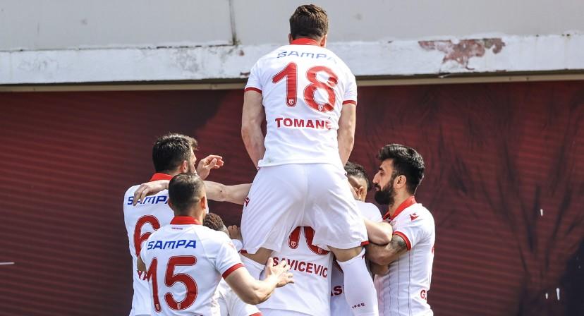 Samsunspor inandı 3 puan 2 golle geldi
