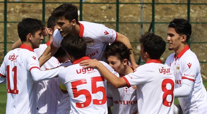 Samsunspor'lu Gençler Menemen'e 3 Attı 3 Aldı