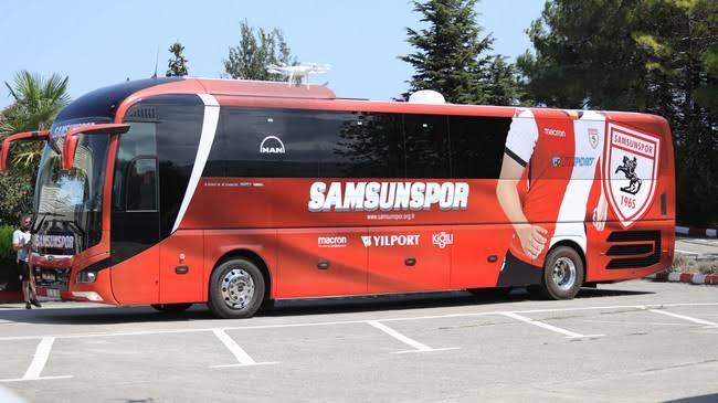 Samsunspor Otobüsüne Adana'da Saldırı